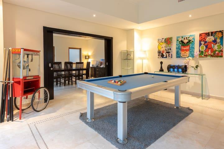 Massive 6 bedroom Dubai Style Villa