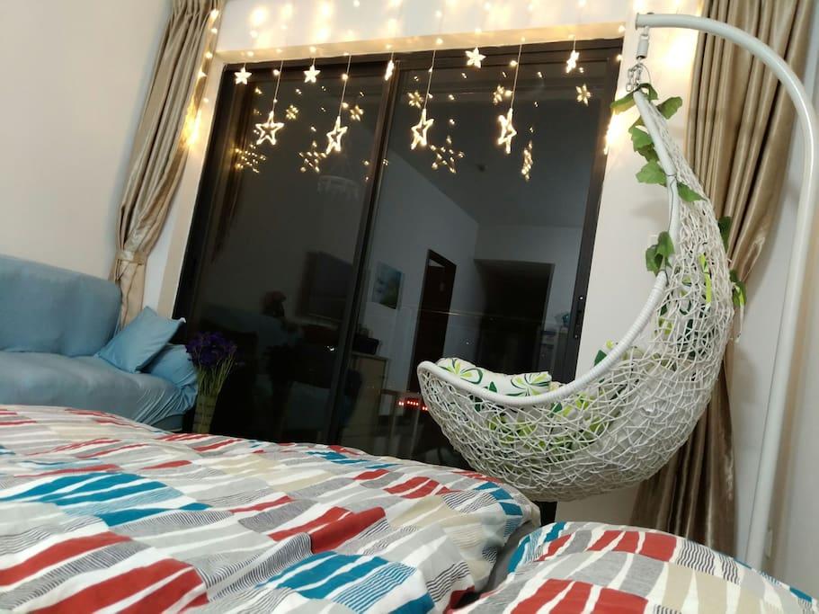 夜间铺好床铺