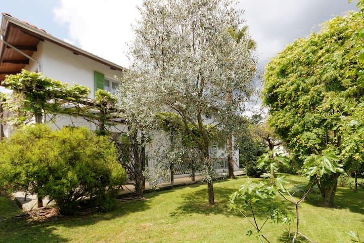 Casa vacanza con giardino a Biella, uso esclusivo