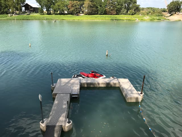 Brisa del Lago FauxVilla 16' Deep Lake Dunlap Here