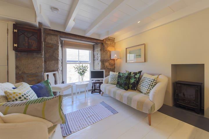 Interior designed harbour duplex - Mousehole - Apartamento