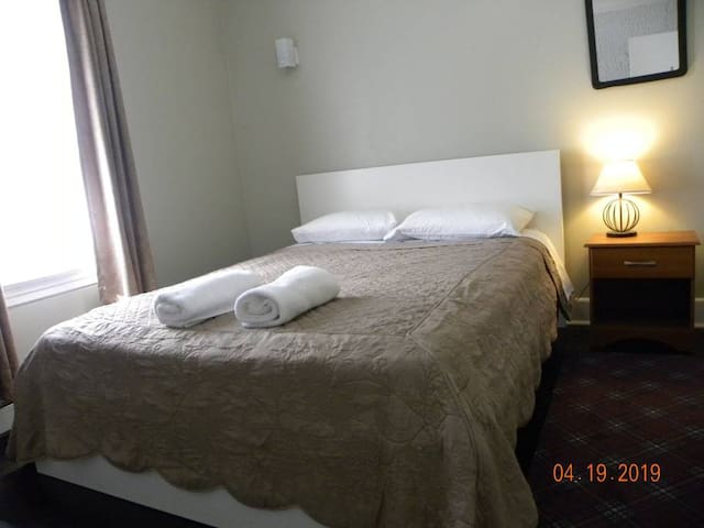 #2 Susana's Guesthouse - Minutes from EWR/NYC