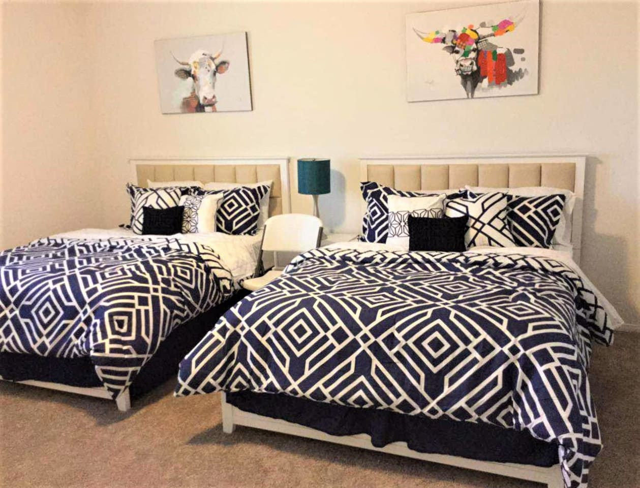 Upstairs Master BA with TWO Queen size beds