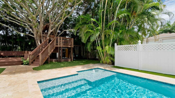 HEATED POOL-Treehouse Getaway near Anna Maria- 6bd