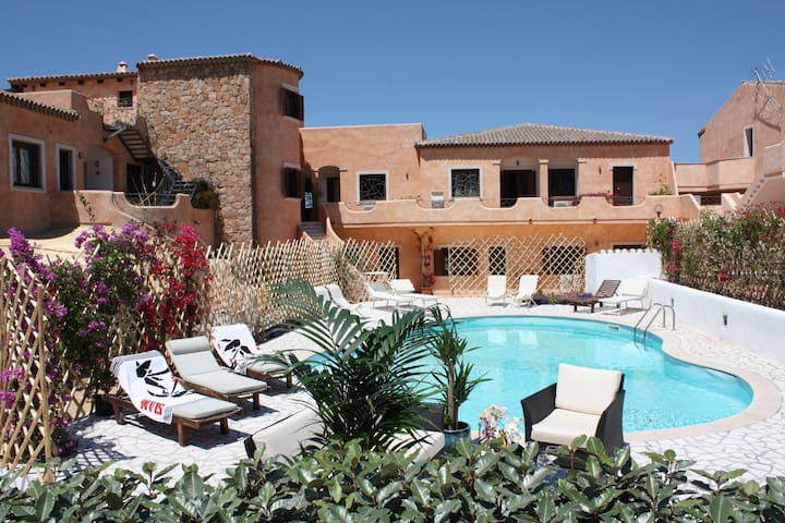 Porto Cervo: two-room apartment for 2 - 4 people