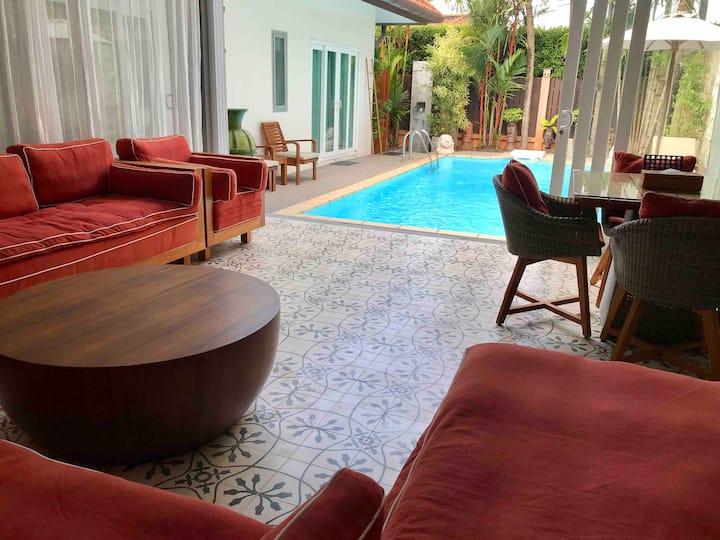 """Private Pool Villa """"Sienna"""""""