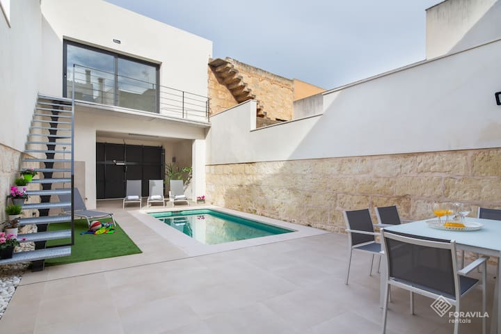 Ca Na Foc. Completely renovated house with pool.