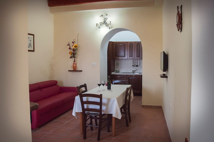 """Casa Vacanza """"Bucaneve"""" - San Fele - House"""