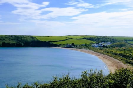 Pembrokeshire. Freshwater East. Trewent park