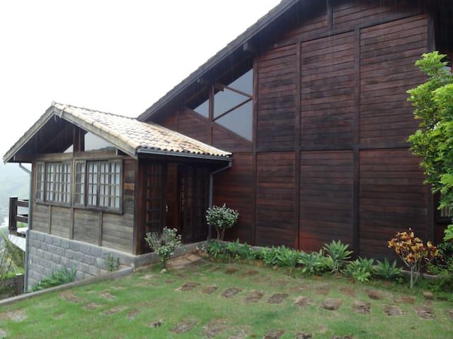 Casa de campo em Areal , próximo a Itaipava. - Areal - Cabaña