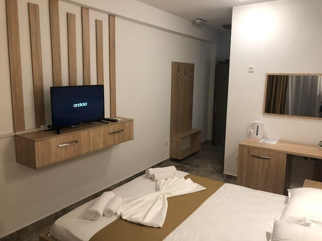 Hotel Room+Breakfast+Swimming pool