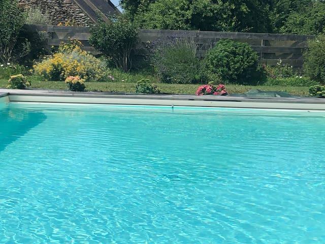 chambre d'hôtes avec piscine / Belle ile