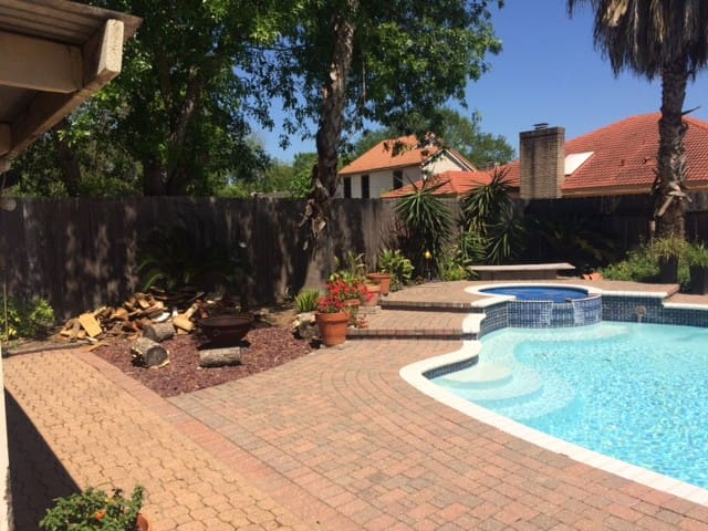 Great Location beautiful Home, Pool - Houston - Hus