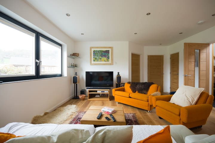 Sunny eco friendly modern en-suite - Powys - Bed & Breakfast