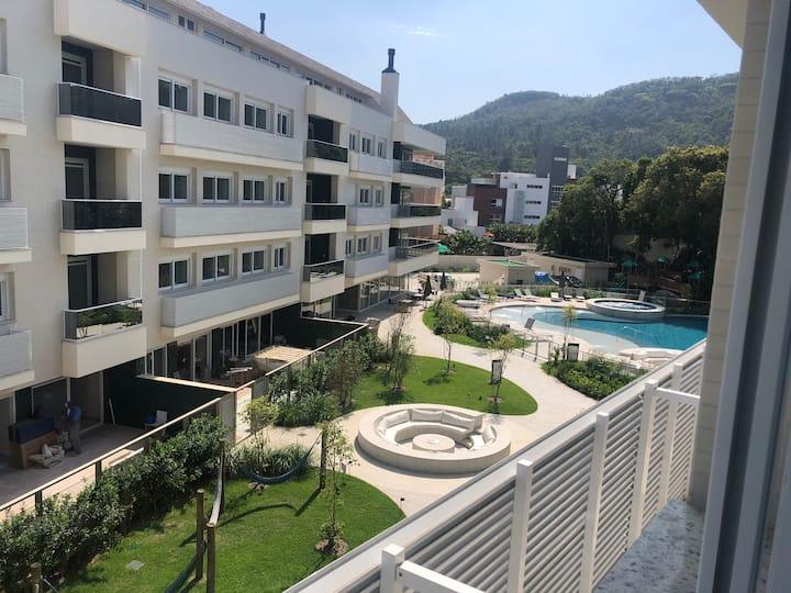 Apartamento no Residencial Città, em Jurerê.