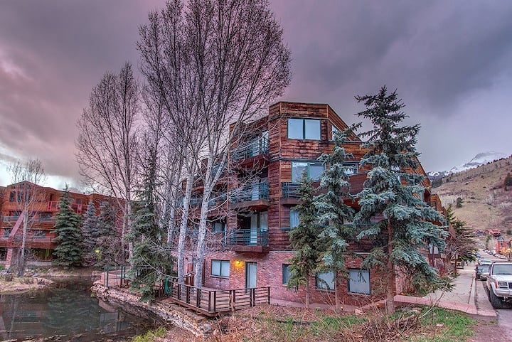 Downtown Telluride Penthouse Condo with a Large Deck, Common Steam Room, Year-Round Pool, and Hot Tub