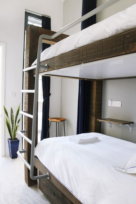1 Bunk-Bed Room