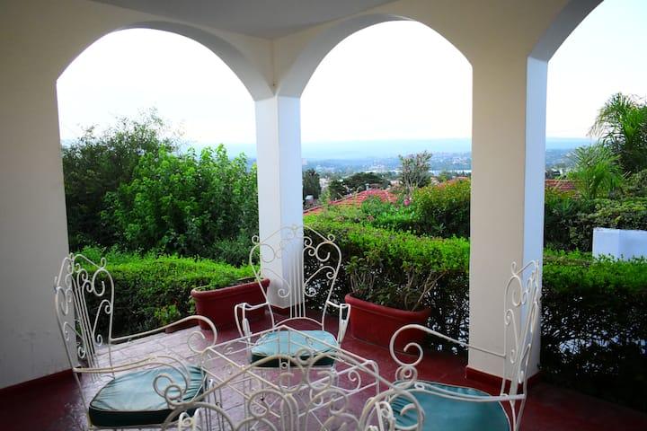 Casa con vista panorámica a Carlos Paz