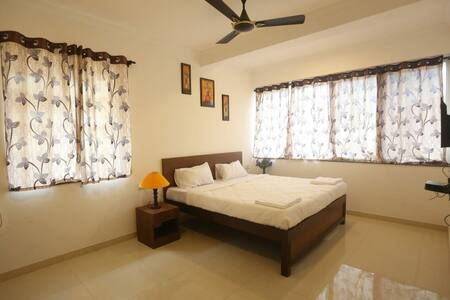 I1 , Single bed room at Picnic Residency
