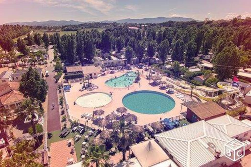 Three Pools, slides, restaurant, bar and onsite small supermarket - what more do you need !!