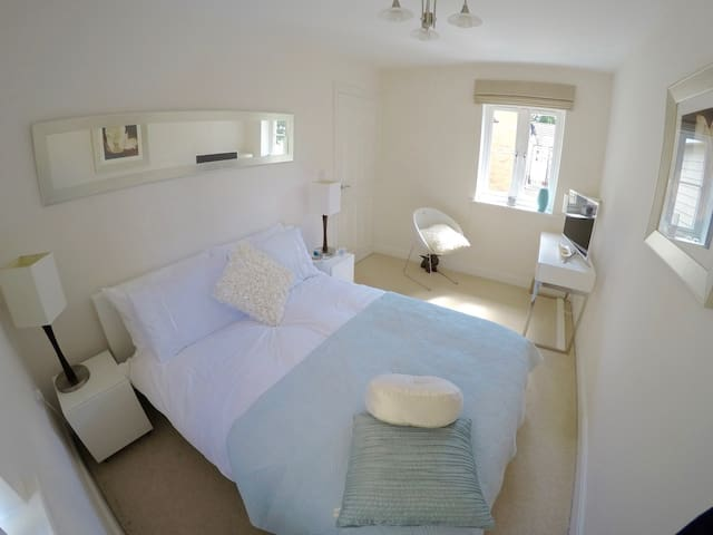 Double Bedroom + Bathroom