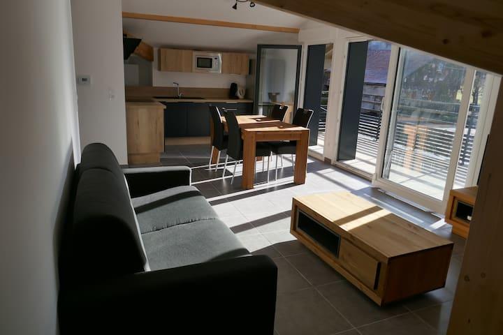 Appartement neuf au calme entre lac et montagnes