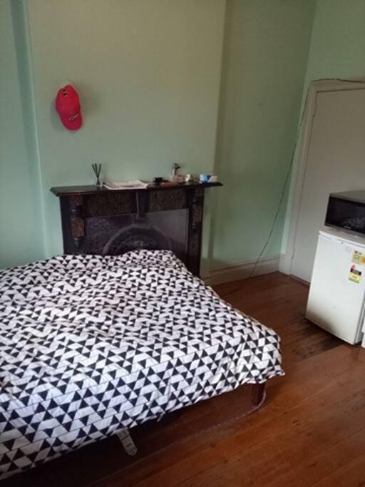 Bed/Bedroom (Studio)