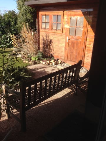 Möblierte Zwei-Zimmer Wohnung in schöner Umgebung - Grafenau - Appartement