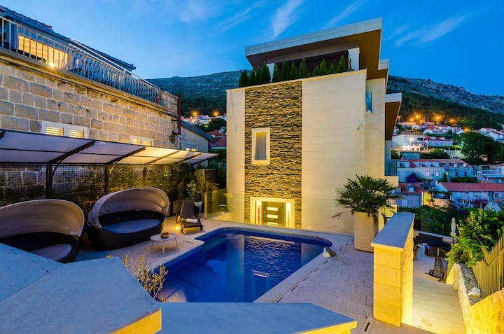 Luxury Villa Lux Oasis with private swimming pool, sauna, jacuzzi and gym  in Dubrovnik