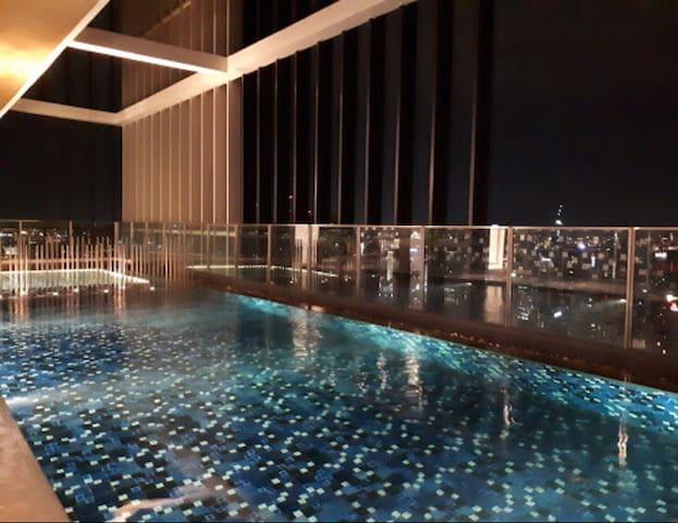 Luxury 2 Bedrooms,Bts Phrom Phong, Sukhumvit