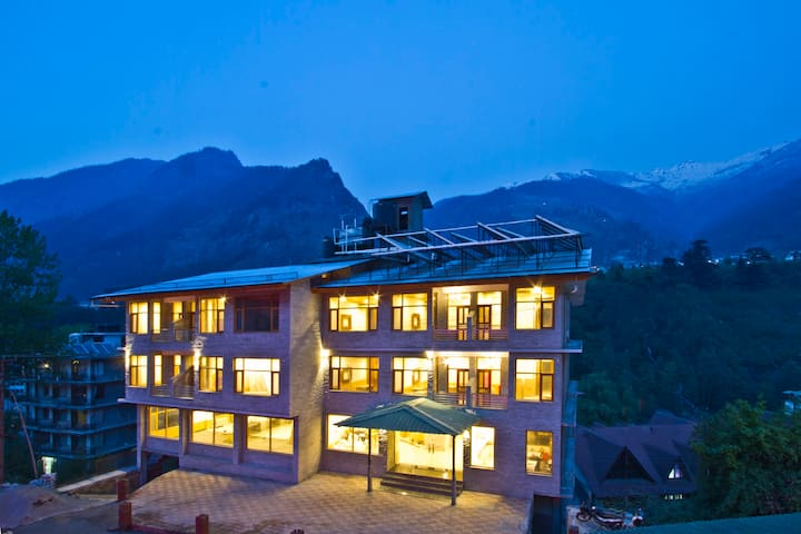 Beautiful  Hill view Resort in Manali # HPMAN005