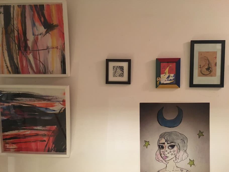 Die Wohnung ist voller Kunst
