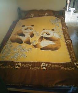 Private Bed Room - Kochi - Apartemen