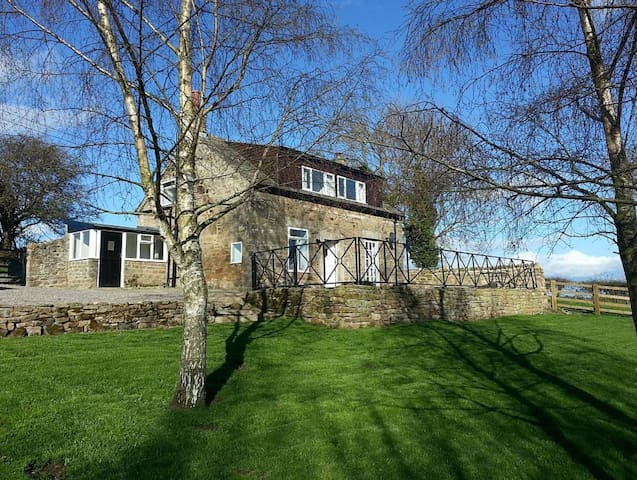 Modern cottage with beautiful views - North Yorkshire - Hus