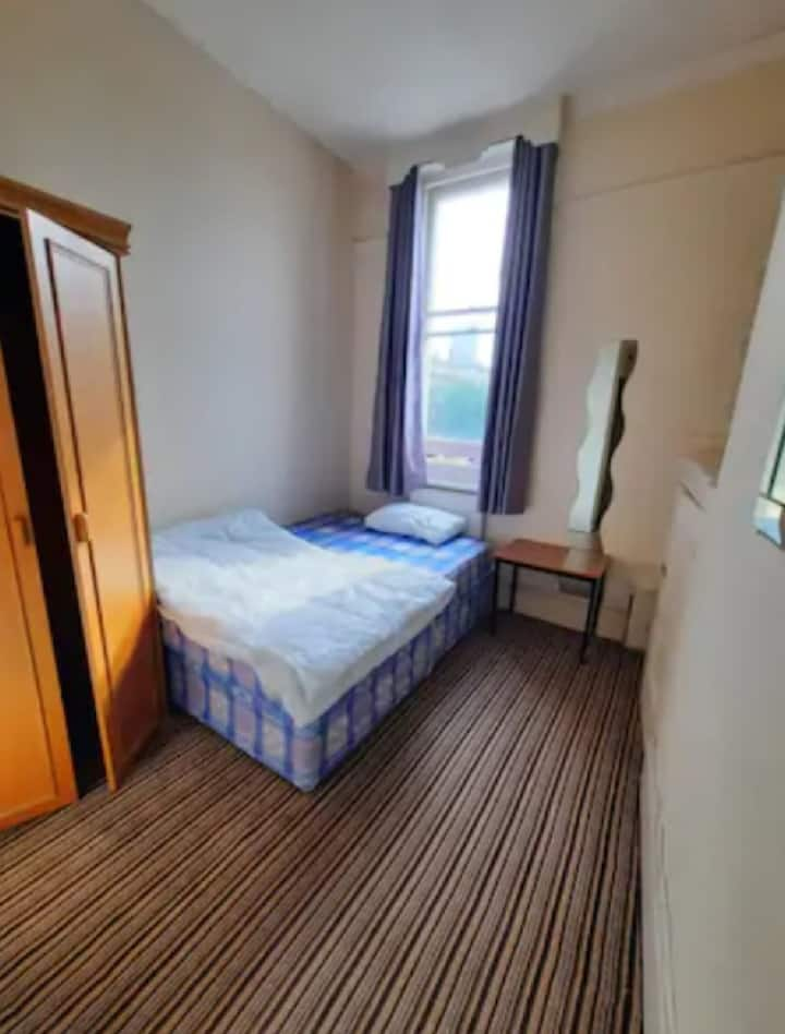 Ideal Spacious room in Marylebone Central London