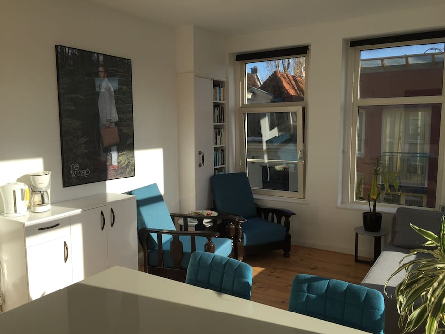 Bright and comfortable apartment appartamenti in affitto for Appartamenti in centro amsterdam