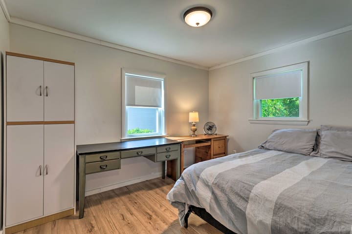 The full-sized bed completes the fourth bedroom.