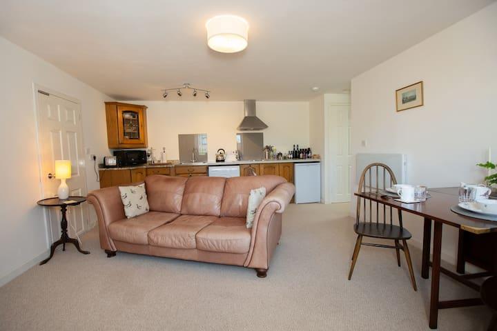 Mabel Cottage - Room Only -  luxury SC cottage