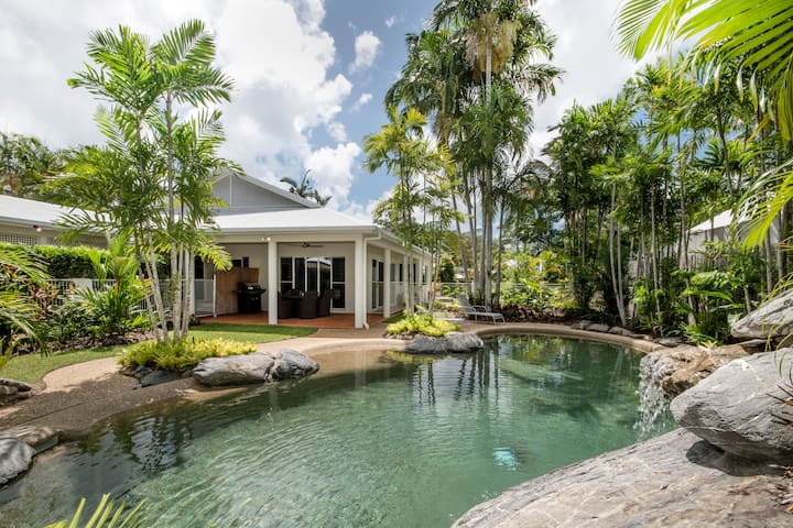 """Sandwater"", private beachside house - Port Douglas - House"