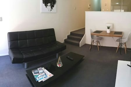 CITY CENTRE STUDIO + WIFI!!! - Sydney - Apartemen