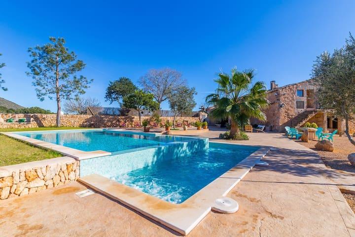 Son Gabriela. Awesome villa with pool in Llucmajor