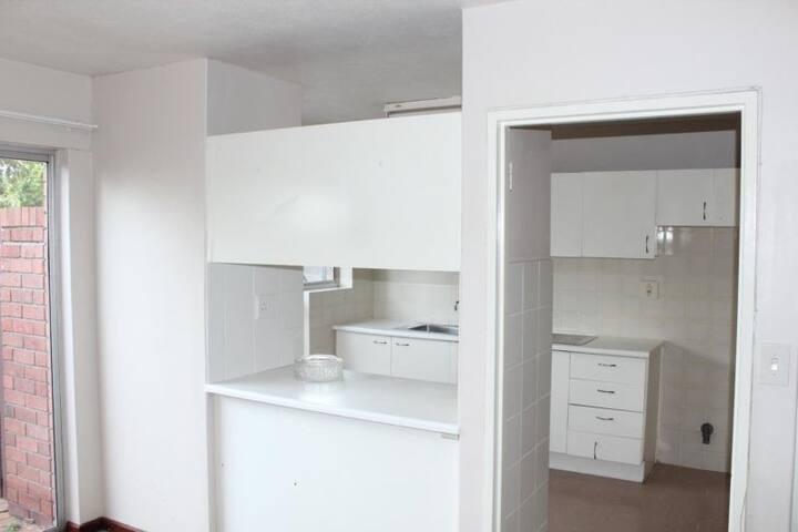 Sunny room in Milnerton