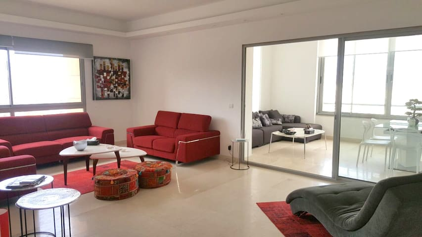 Modern & Spacious 3 bedroom apartment