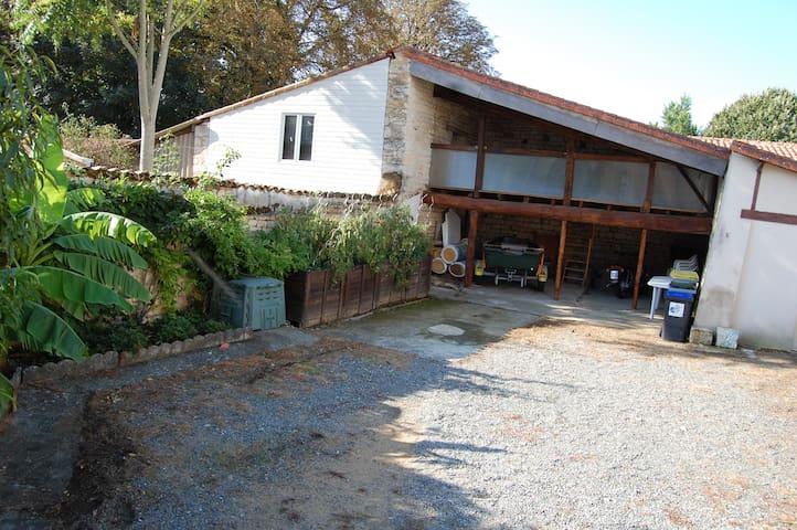 maison individuelle avec jardin - Fontenay-le-Comte - House