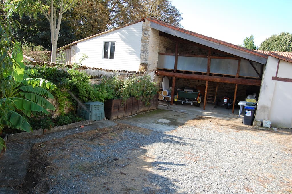 Maison individuelle avec jardin maisons louer for Location garage fontenay le comte