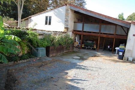 maison individuelle avec jardin - Fontenay-le-Comte