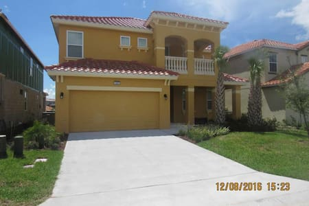 Solterra 6/5 Pool Home property, fully furnished, with full kitchen, and all linens and towels - DAVENPORT - Maison