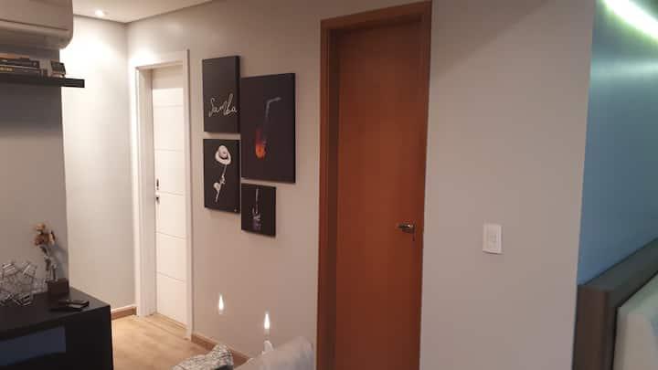 Apartamento novo e acolhedor.