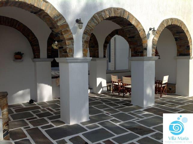 Villa Maria in Tinos