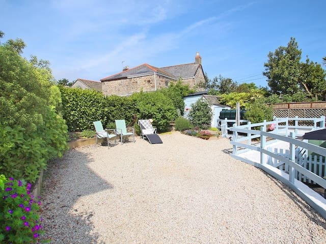 KOSY KOT, family friendly, with open fire in Hayle, Ref 959936